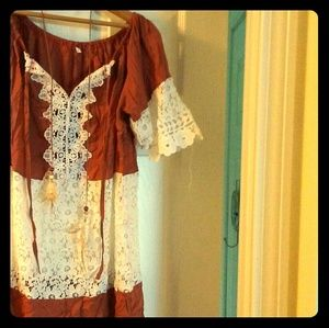 Brown and lace peasant.blouse